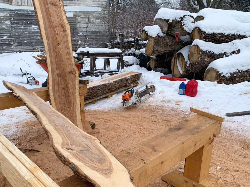 Chainsaw Milling Season 2020 – First Slabs of the Year with the Alaskan Mill